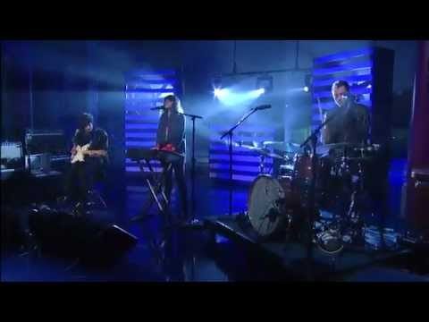 Beach House - Myth (Live on Letterman 2012)