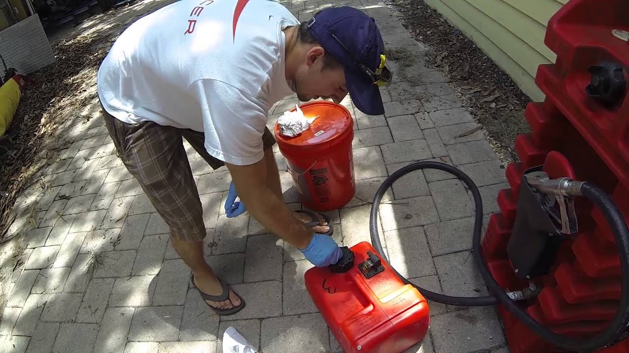How to Properly Fill Outboard Fuel Tank