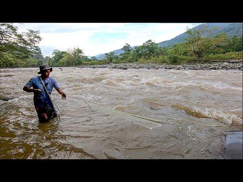 Traditional Fishing, wilayah Barat Aceh, Sumatra, Indonesia