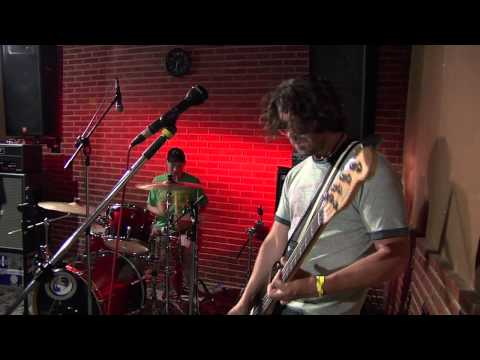 Dinosaur Jr - Feel The Pain (Live for MTV Brasil - São Paulo 2010) RAW FOOTAGE  - BUILT IN MIC SOUND