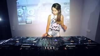 BEST ELECTRO HOUSE DANCE 2013   Juicy M Mixing on 4 CDJs