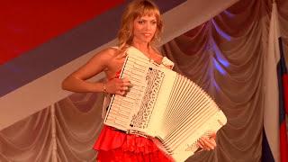 Самые красивые аккордеонистки России- дуэт 'ЛюбАня' ДОРОГОЙ ДЛИННОЮ [баян,harmonica,accordion]
