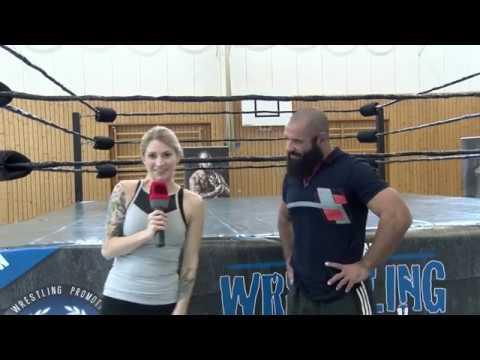Sabrina, kannst du eigentlich...wrestling?