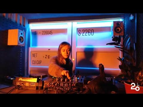 Anna Khvyl @ 20ft Radio