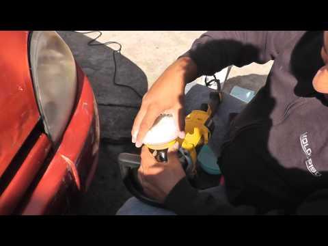 Como pulir los faros de tu autom vil doovi - Reparar cristales rayados ...