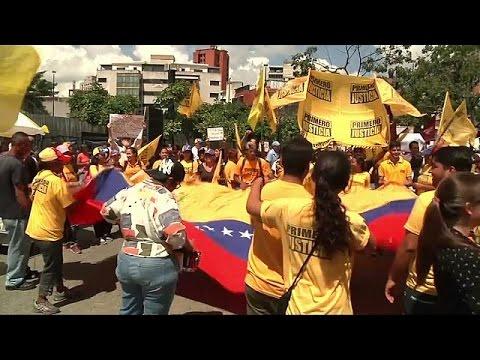 Venezuela: opposition push for speedier recall referendum