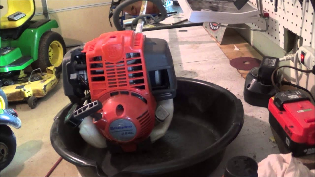 Changing The Oil On A Husqvarna 224l 4 Stroke Trimmer