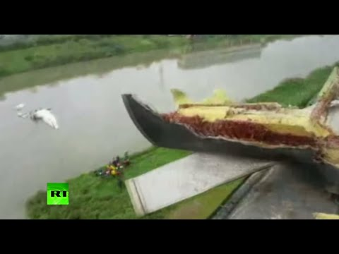 Taiwan plane crash: First video after TransAsia flight GE235 crash lands into river in Taipei