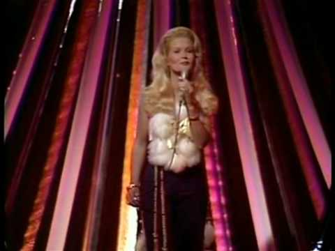 Lynn Anderson - Right Time of the Night