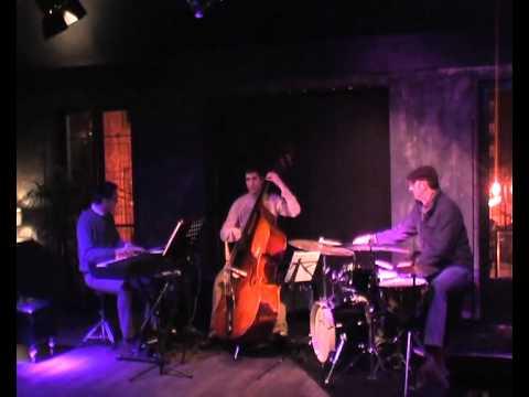 Composición #3 - Adrian Carrio Trio