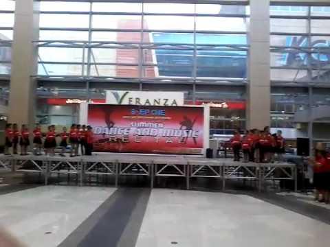 VERANZA  MALL    dance   port  team