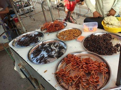 Najohydniejsze jedzenie na świecie (pająki, robaki i węże z grilla) – Kambodża 2017 #6