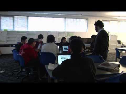Zona Escolar de Dallas Presenta: A. Maceo Smith New Tech High School