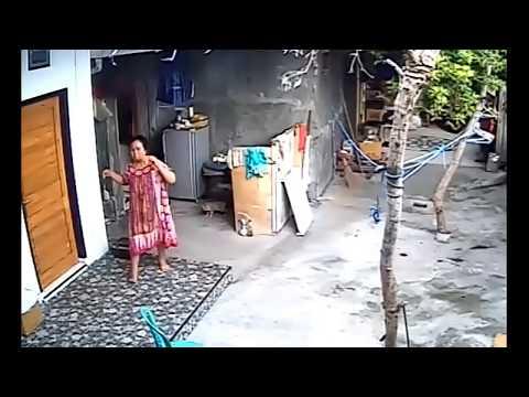 Seram!! Rekaman CCTV gempa PADANGSIDEMPUAN