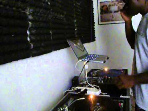 AUG 2013 HIPHOP Tampa Mix (Clean) DJ Handz