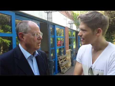 Interview Peer Steinbrück über erste Flirt-Erfahrungen