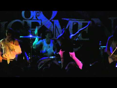 2011.04.09 Sleeping With Sirens - Captain Tyin Knots vs. Mr Walkway (Live in Chicago, IL)