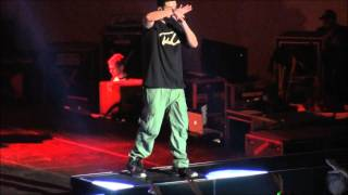 Drake - The Motto (Live) (HD) University of Illinois Urbana, Champaign