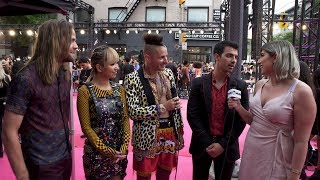 UMUSIC Does: iHeartRadio MMVAs Red Carpet | Featuring DNCE, Post Malone, Julia Michaels & More