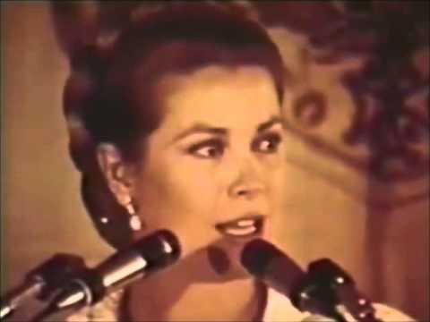 Princess Grace speaks to mothers of La Leche League in 1971
