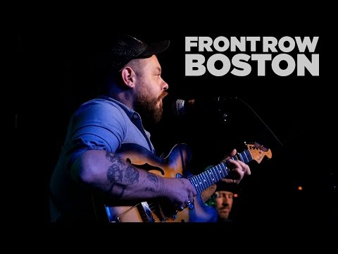 Front Row Boston | Nathaniel Rateliff - Three Fingers In (Live)