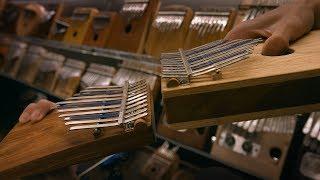 сравнение звука калимбы с полым и цельным резонатором