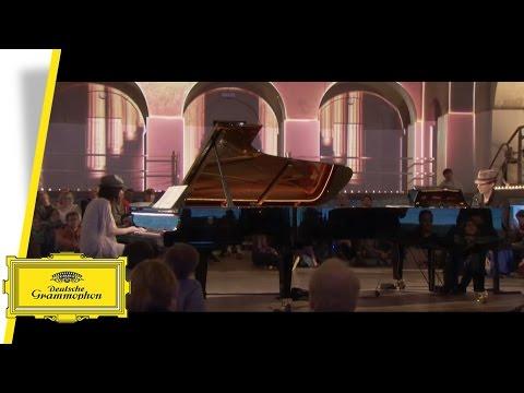 Alice Sara Ott & Francesco Tristano - La valse - Ravel (Live)