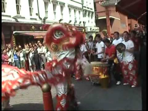 忠信龍獅團 Waterside Lion Dance - London Chinatown part 1