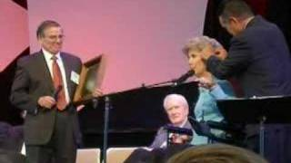Joni Eareckson and Ken Tada Sing together