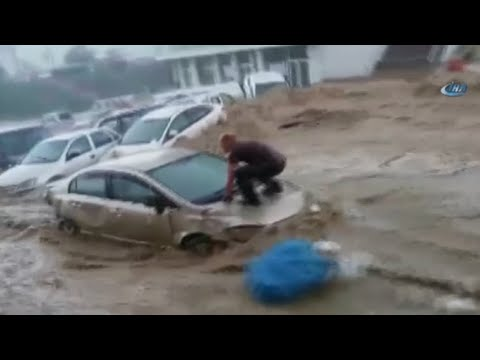 Floodwaters wash away cars in Turkish capital
