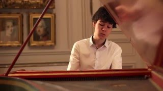 Johann Sebastian Bach, English Suite #2 in a minor (Prelude) / Justin Taylor