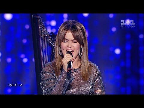 "Арина Азарова — ""E L'amore Che Conta"" — выбор вслепую — Голос страны 10 сезон"