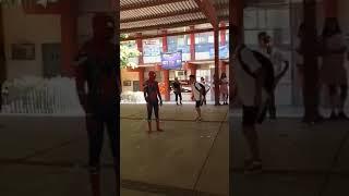 cuando retas a bailar al hombre araña