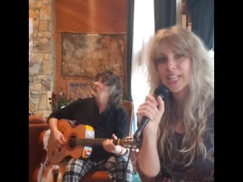 "Ritchie Blackmore (Deep Purple) + Candice Night covered Joan Baez's ""Diamonds & Rust"""