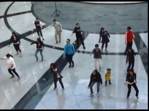 Glee Flash-Mob Colombia 2012
