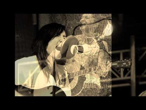 KT Tunstall - Still A Weirdo ( Acoustic ) BBC Songwriters