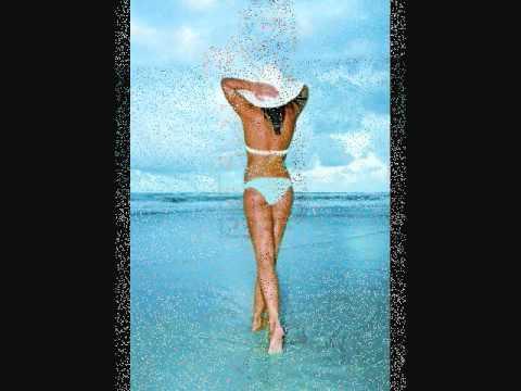Ariel tweto bikini
