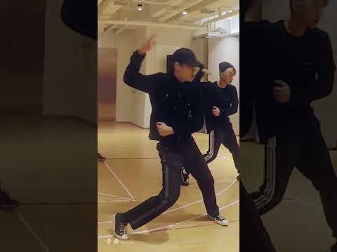 EXO 'Electric Kiss' Dance Practice KAI FOCUS