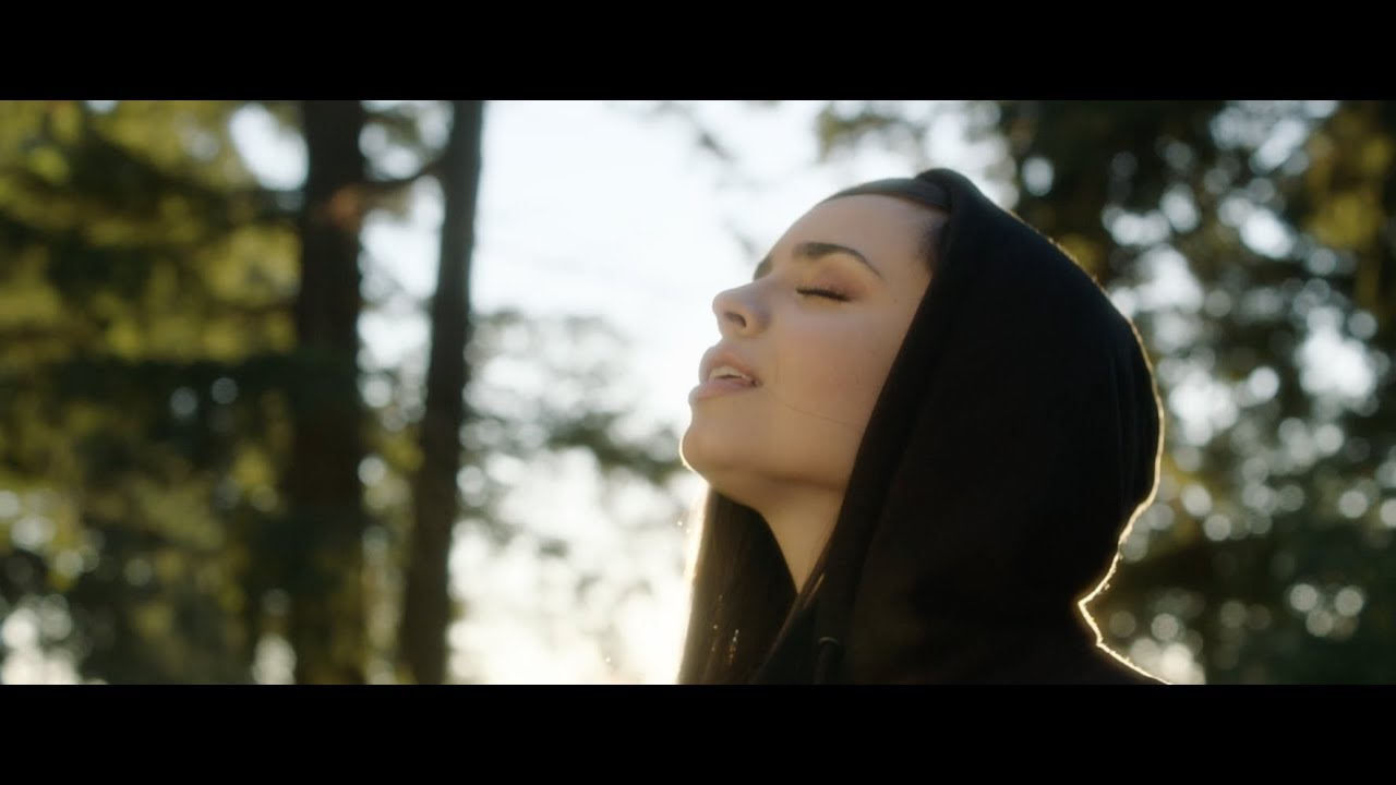 Alan Walker - Different World feat. Sofia Carson, K-391 & CORSAK (Vertical Video)