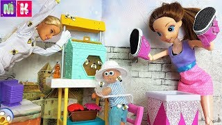 УКУСИ МЕНЯ ПЧЕЛА КАТЯ И МАКС ВЕСЕЛАЯ СЕМЕЙКА Мультик с куклами #кукла #Барби #длядетей