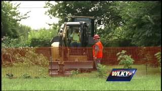 Crews removing contaminated soil from Louisville neighborhood