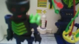 L'attaque de scientifique drôle .😁 playmobil