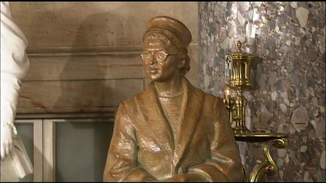 Statue of civil rights icon Rosa Parks unveiled in Alabama