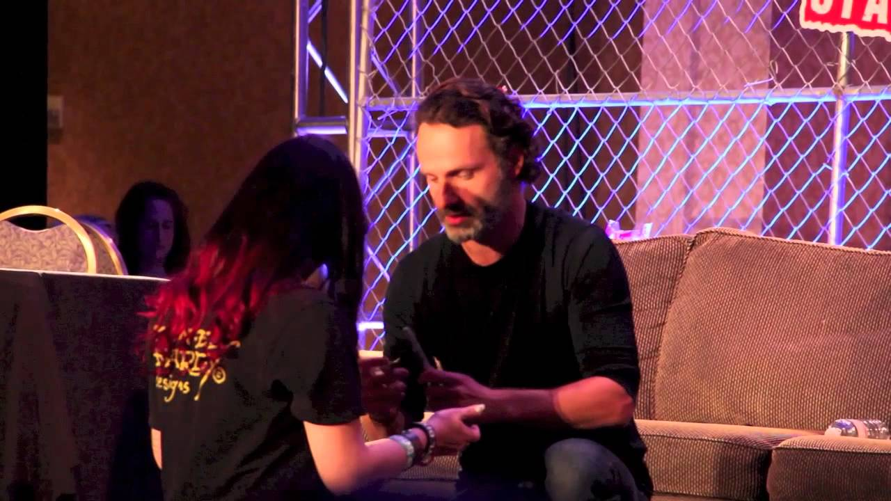 Andrew Lincoln Makes Fans Day At Atlanta Walker Stalker Con Youtube