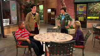 Сериал Disney - В ударе! (Сезон 1 - Серия 05) Мечи и магия