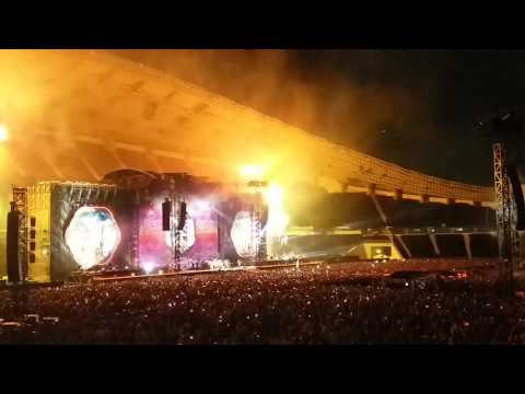 Coldplay - A Head Full Of Dream + Yellow [live in Bangkok 2017]