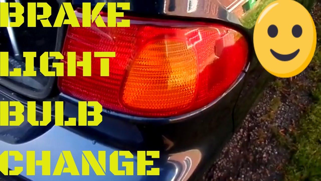 1999 toyota rav4 brake light bulb