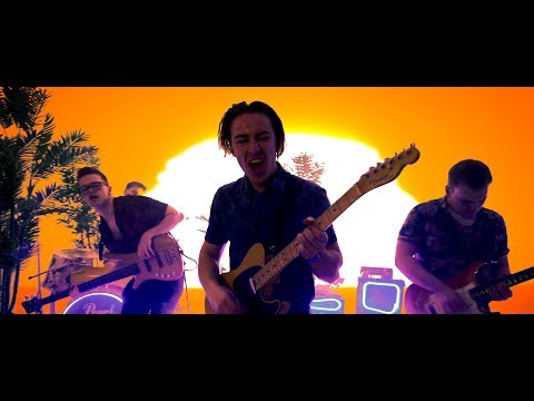 Luna Blue - Tropical [Official Music Video]
