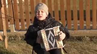 ❤❤❤посмотрите  КАК НАЯРИВАЕТ на гармошке этот МАЛЬЧУГАН(Вот жжот этот мальчишка на гармони.Ему 9лет а КАКОЙ ОН УЖЕ МАСТЕР - классно играет и поёт ЗАГЛЯДЕНИЕ ПРОСТО!!!..., 2014-11-14T16:36:26.000Z)