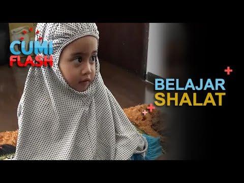 Subhanallah! Mama Venna Ajarin Vania Shalat - CumiFlash 13 Desember 2017